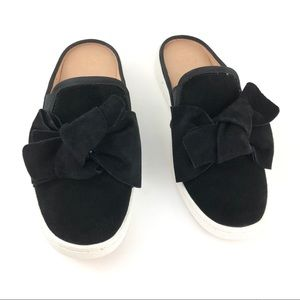 Ugg NWT suede black slip-on mule bow sneaker Luci